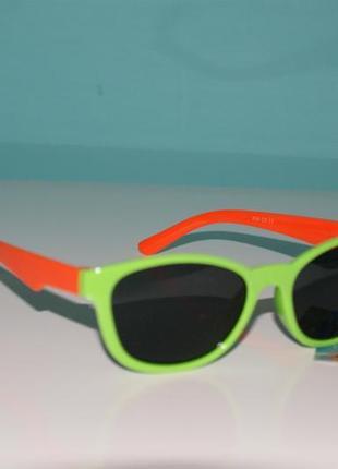 Детские солнцезащитные очки. защита - uv 400