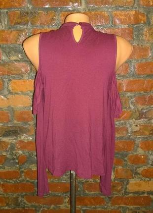 Лонгслив топ блуза кофточка с вырезами на плечах и воланом на лифе3 фото