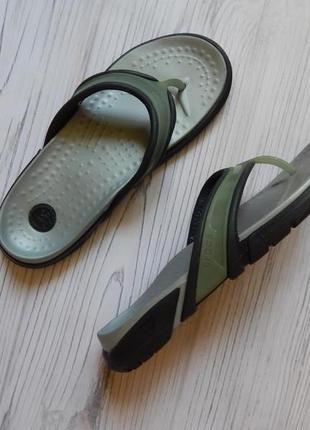 Бомбезные вьетнамки,сланцы от crocs crosline a9 оригинал. размер 42-43 .