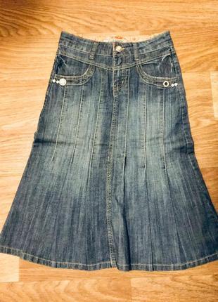 Юбка джинсовая за колено, цепочки на карманах, р. 42