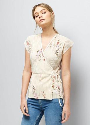 Плиссированная блуза на запах цветочный принт топ плиссе new look
