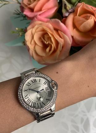 Женские модные наручные часы металлические серебристые