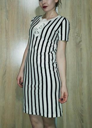 Мягкое платье в полоску ровного кроя со шнуровкой на груди zara