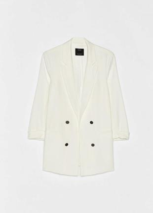 Пиджак белый bershka