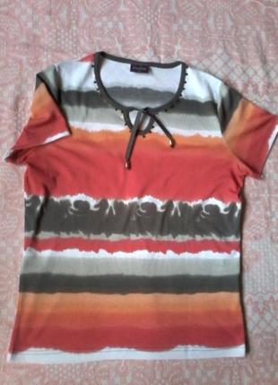 Легкая яркая футболка на размер l-xl