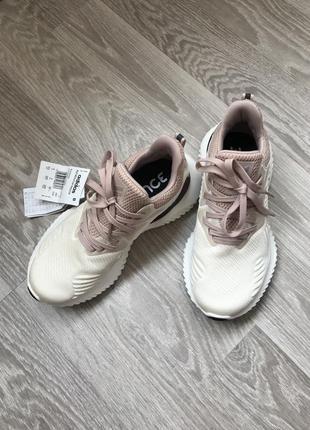 Новенькие крутые кроссовки 👟
