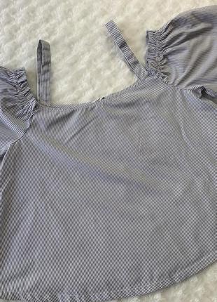 Блуза с воланами в мелкую полоску размер м