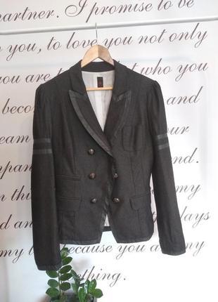 Очень стильный итальянский пиджак