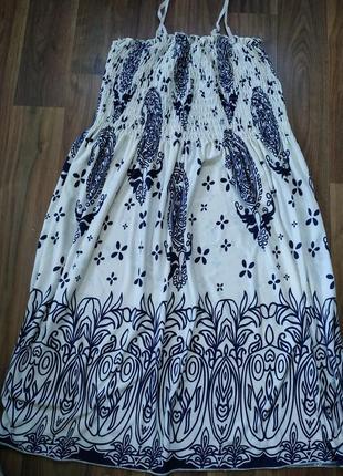Легеньке літнє плаття