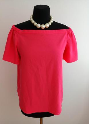 Яркая, актуальная блузка с приспущенными плечами от george.