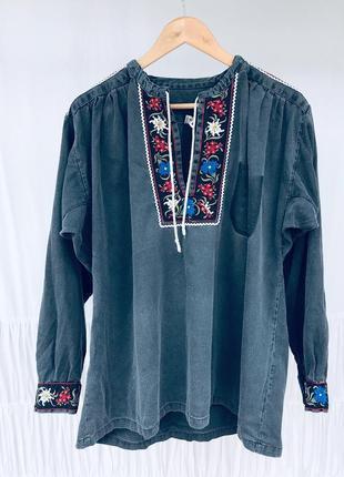 Шикарна вишита сорочка