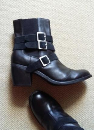 Фирменные идеальные кожаные ботинки ботильоны