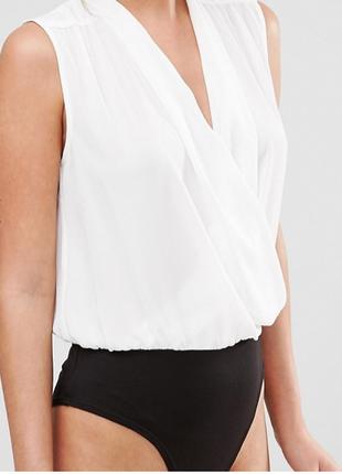 Нежное шифоновое боди блузка комбидресс на запах белое с черным низом