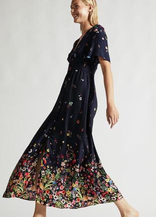 Брендовое синее длинное платье в пол  с разрезом и глубоким декольте цветочный принт oysho