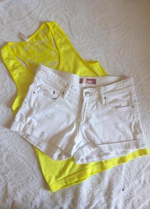Крутые белый шорты