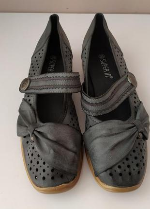 Жіночі туфлі 38 розмір