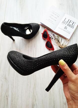 Новые шикарные черные туфли в стразах на шпильке😍