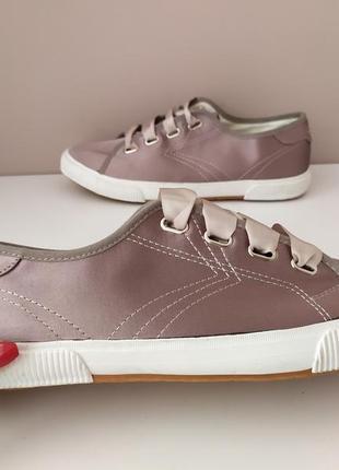 Жіночі кросівки tamaris 40 та 41 розмір