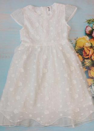Нежное белоснежное платье c&a на 10лет