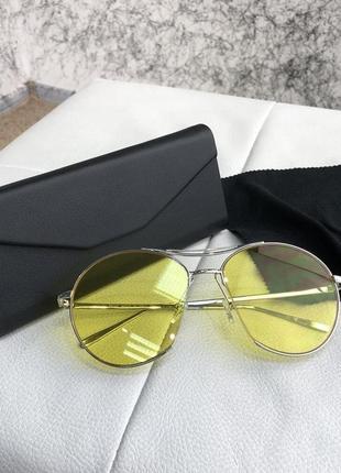 Пилотные солнцезащитные очки на лето