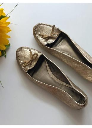 Идеальные золотые кожаные балетки туфли massimo dutti рр 41