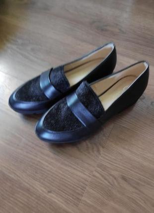 Очень крутые уожаные туфли, лоферы