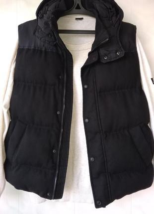 Стильная стеганная куртка- безрукавка /комбинированная жилетка zara man vietnam