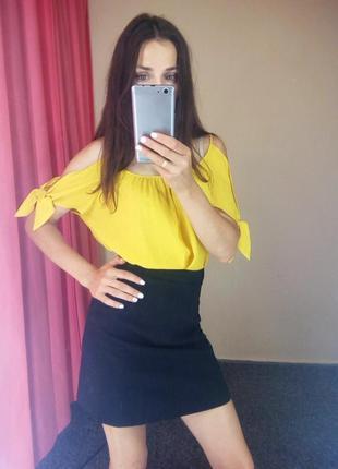 Блуза с рукавами завязками