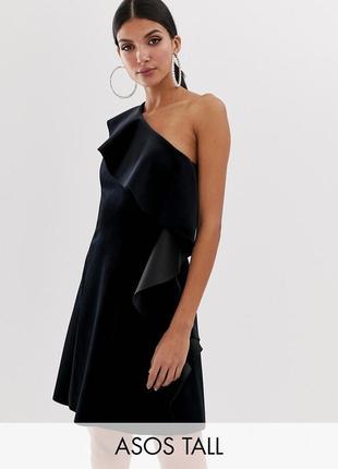Asos романтична чорна сукня з воланом