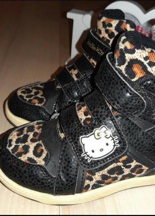 Кроссовки,  сникерсы kitty, размер 10