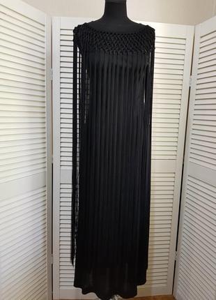 Черное длинное платье с бахромой  италия
