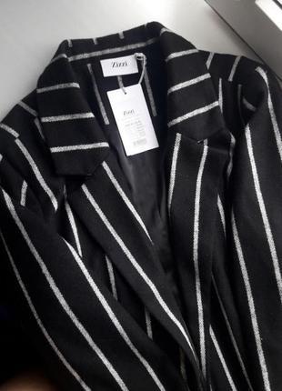 Шикарное полосатое пальто.скидка до 21.071 фото