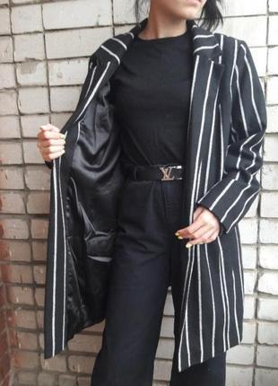 Шикарное полосатое пальто.скидка до 21.072 фото