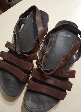 Фирменные сандали босоножки 38-39 р