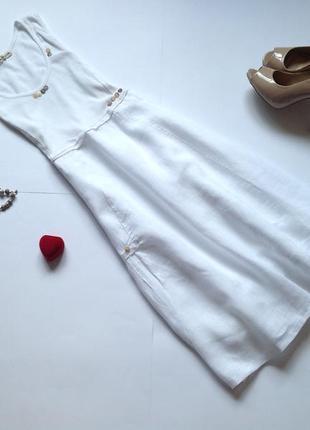 Белое льняное платье миди