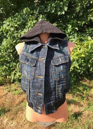 Джиновый жилет+шорты(бриджи)