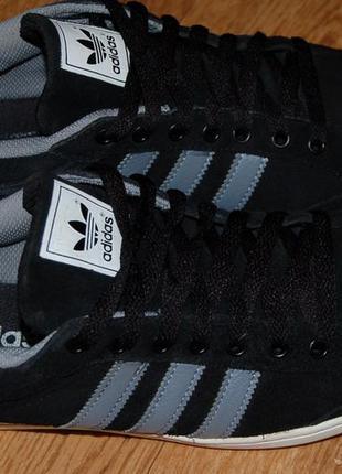 Кожаные кроссовки 41 р adidas оригинал хорошее состояние