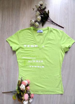 Салатовая фирменная итальянская sergio tacchini  футболка новая размер s