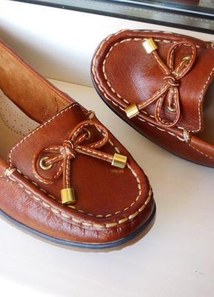 Очень удобные , легкие и мягкие новые кожаные мокасины ! англия !