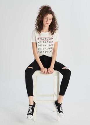 10-83 жіноча футболка sinsay з написом trouble maker женская футболка