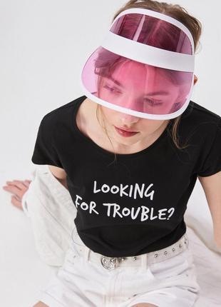 10-84 жіноча футболка sinsay з написом looking for trouble женская футболка