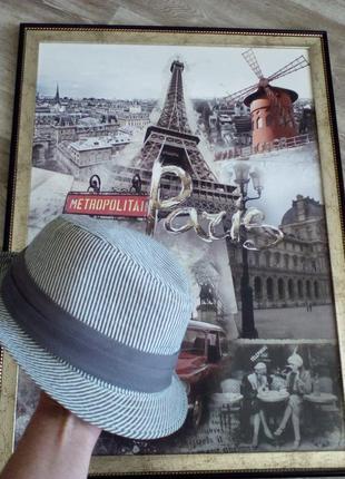 Стильная шляпка унисекс с окружностью 55 см