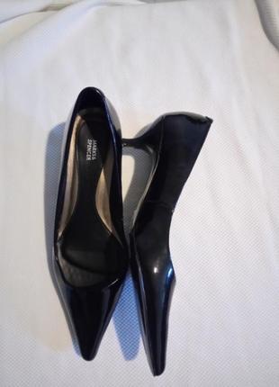 Новые туфли лодочки на маленьком каблуке шпильке размер uk 4 наш 37