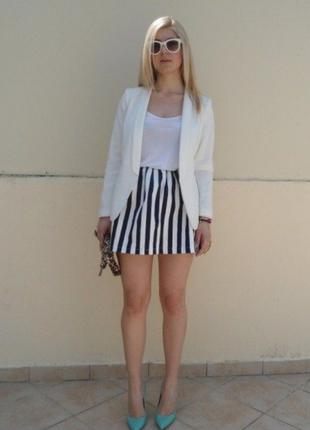 Стильная мини-юбка