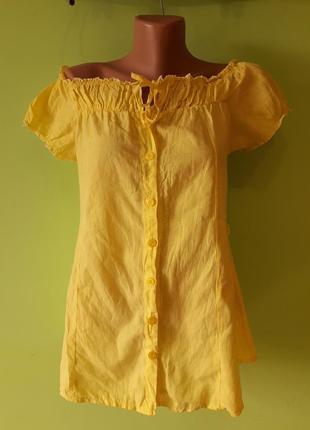 Жёлтая хлопковая блуза с открытыми спущенными плечами
