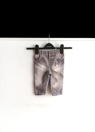 Зауженные джинсы с принтом f&f на 9-12м / 80 см