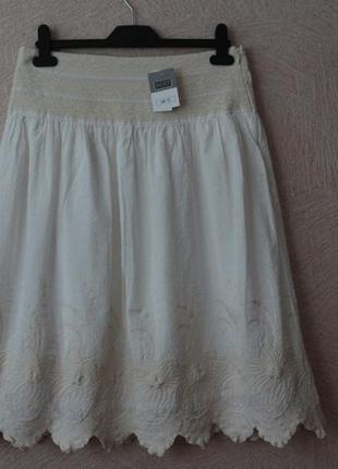 Next- красивенная юбка с набивной вышивкой