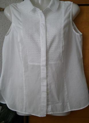 Красивейшая батистовая блузка с кружевной вставкой