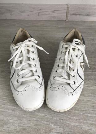 Кожаные брендовые белые кеды кроссовки