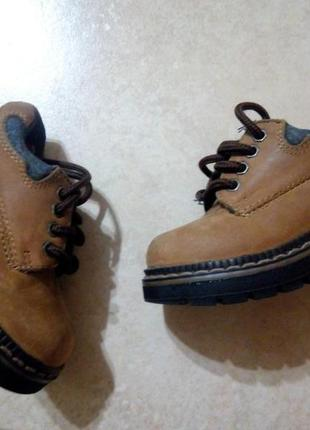 Детские кожаные ботинки р.18-19